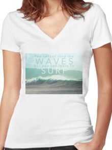 Surf Waves of Hawaii Women's Fitted V-Neck T-Shirt