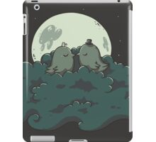 Moonlight Kiss iPad Case/Skin