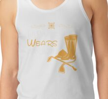 This princess wears riding boots Tank Top