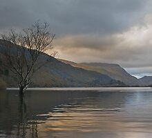 Llynn Padarn, Llanberis, North Wales. by Ian Leyland