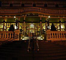 Carrington Hotel.Katoomba NSW. by Warren  Patten