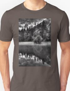 Obertraun walks 15 b&w T-Shirt