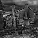 Old Farmhouse by peterperfect