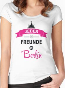 Jeder hat Freunde in Berlin Women's Fitted Scoop T-Shirt