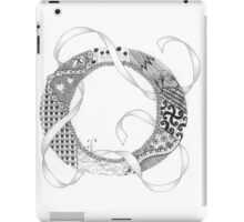 Zentangle®-Inspired Art - Tangled Alphabet - O iPad Case/Skin