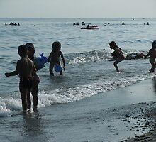 The kids at the coast  by rasim1