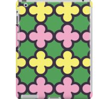 Summer Fun Quatrefoil Pattern iPad Case/Skin