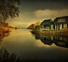 Autumn Reflections by AnnieSnel