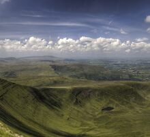 Corn Du Panoramic by Tom  Bridge