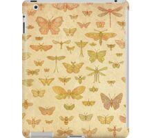 100 Flying Bugs (colour) iPad Case/Skin