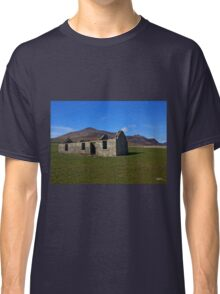 Imagine - Above Us only Sky Classic T-Shirt