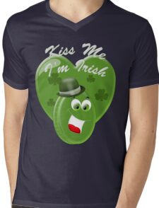 Kiss Me, I am Irish .. tee shirt Mens V-Neck T-Shirt