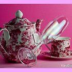 PINK MOOD FOR TEA by Karo / Caroline Evans (Caux-Evans)