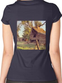 Distressed Red Barn Washington State Women's Fitted Scoop T-Shirt