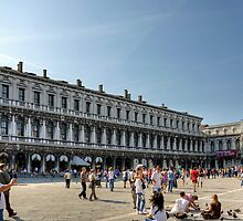 Tourists in Piazza San Marco by Tom Gomez
