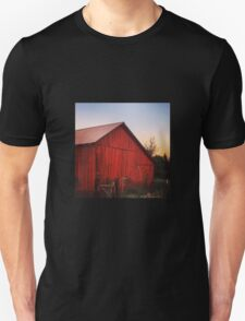 Rustic red barn at dusk Unisex T-Shirt