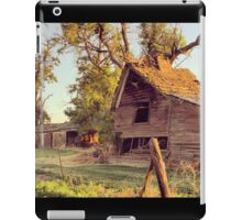 Rustic abandoned red barn at sunset iPad Case/Skin