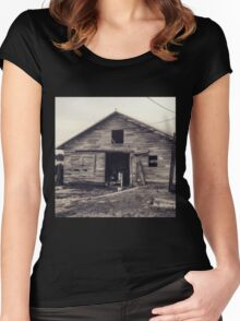 Rustic old barn  Women's Fitted Scoop T-Shirt