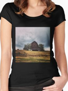 Hilltop Barn Women's Fitted Scoop T-Shirt