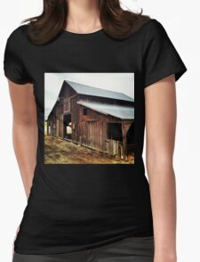 Distressed Red Wooden Barn with Tin Roof Womens Fitted T-Shirt