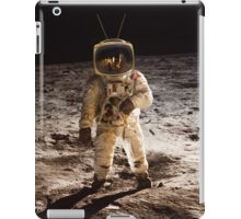 TV Astronaut moon walk iPad Case/Skin
