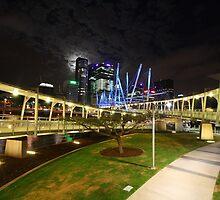 Kurilpa Bridge at Night, Brisbane by daisyr