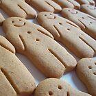 Smiley Gingerbread Men by rualexa