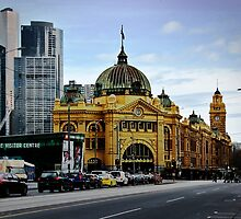Flinders Street Station by Les Unsworth