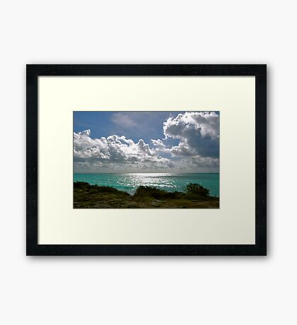 Nubes y Mar Framed Print