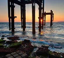 Lepe Beach Sunrise by Rob Lodge