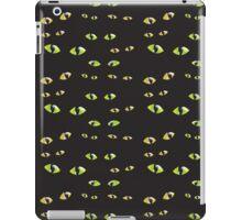 Green cat's eyes duvet iPad Case/Skin