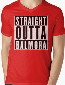 Adventurer with Attitude: Balmora Mens V-Neck T-Shirt