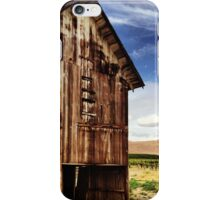 Weathered Barn in Washington State Wine Country  iPhone Case/Skin