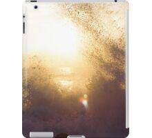 Sun shining through the waves iPad Case/Skin