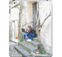 Ravello: girls sitting on the steps with computer iPad Case/Skin