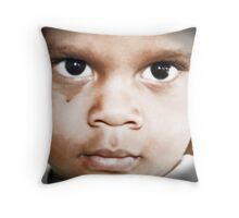 Eyes of a child Throw Pillow