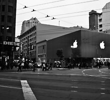 Apple Store on Market Street by Arjuna Ravikumar