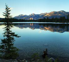 Lac Beauvert by Karl Lindsay