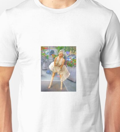 Marilyn Monroe in Hearld Square NY Unisex T-Shirt