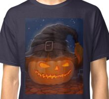 Halloween ominously grinning pumpkin in a witch's hat Classic T-Shirt