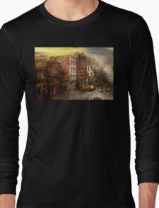 Fireman - Washington DC - Fire at Bedell's Bedding 1915 Long Sleeve T-Shirt