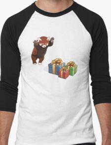 Red Panda Gets Presents Men's Baseball ¾ T-Shirt
