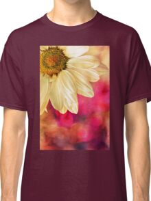 Daisy - Golden on Pink Classic T-Shirt