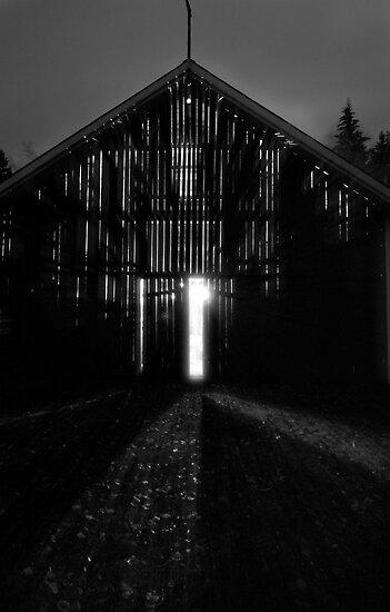 Aliens In The Barn by SunDwn