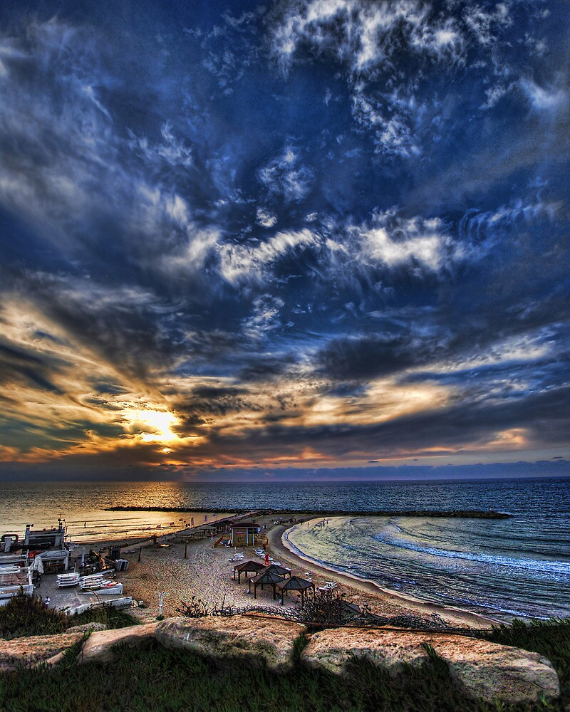 Tel Aviv, a relaxed drama by Ronsho
