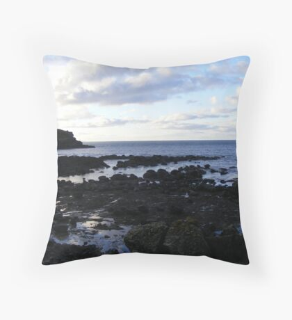 The Giant's Causeway - eatly evening Throw Pillow