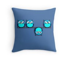 A whole different perspective for the owl Throw Pillow