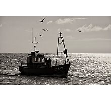 To land the catch. Photographic Print