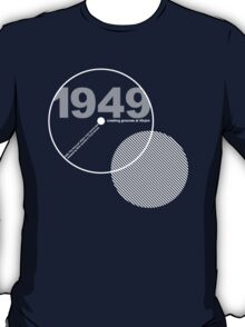1949 The birth of 45rpm T-Shirt