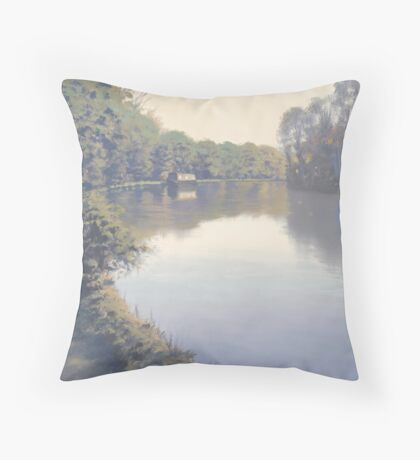 Thames between Sonning & Reading. Throw Pillow